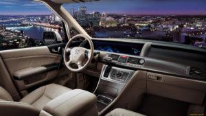 Honda Elysion – японский подход к семейному минивэну.
