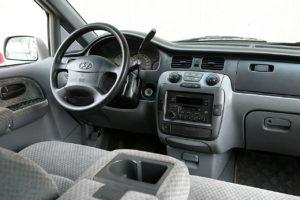 Hyundai Trajet – семейный минивэн-трансформер.