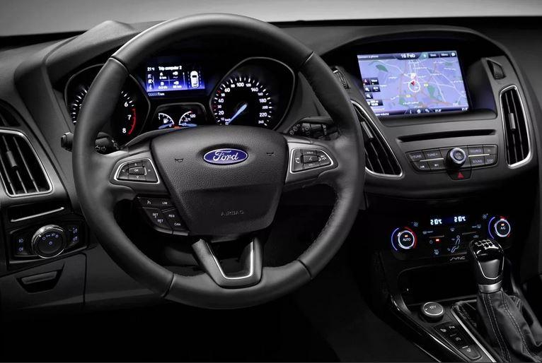 Популярный Ford Focus  III