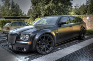 Chrysler 300C Touring –  редкий семейный универсал