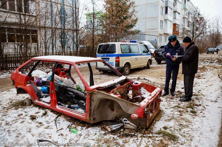 Новые штрафы за брошенный автохлам, за парковку на газонах и даже за лужи, из-за которых не смогут проехать машины