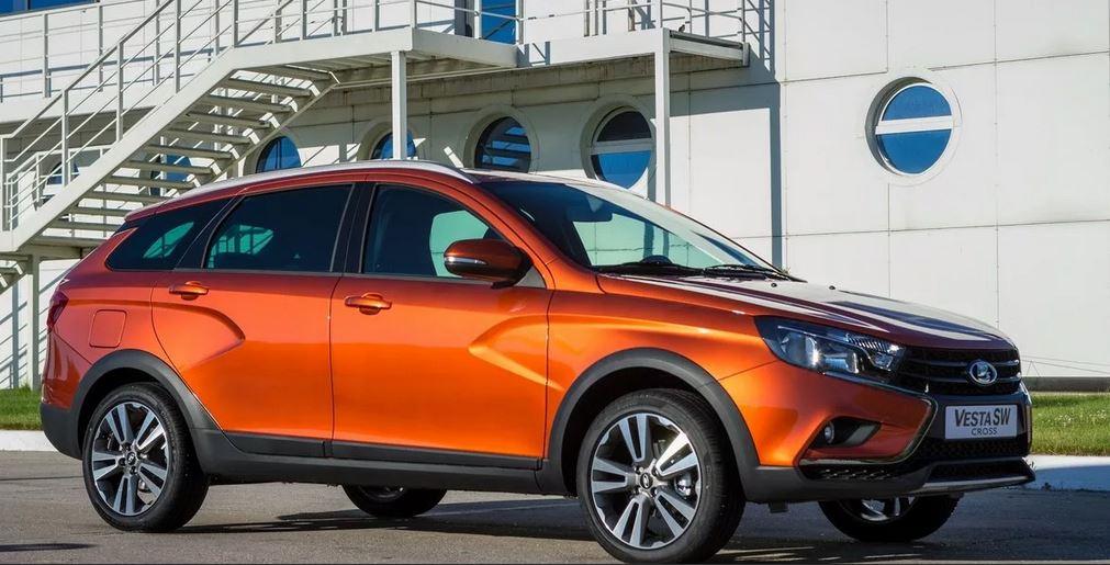 Автомобиль выпускается в трех комплектациях:   - автомобиль малого класса, пришедший на смену устаревшей Приоре.