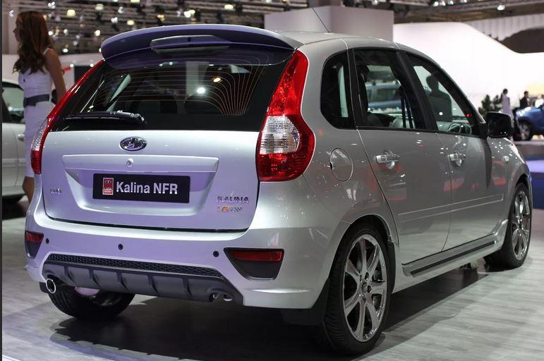 Второе поколение выпускалось только в кузове хэтчбэк (ВАЗ-2192) и универсал (ВАЗ-2194) и выпускалось не только в РФ но и в Казахстане.