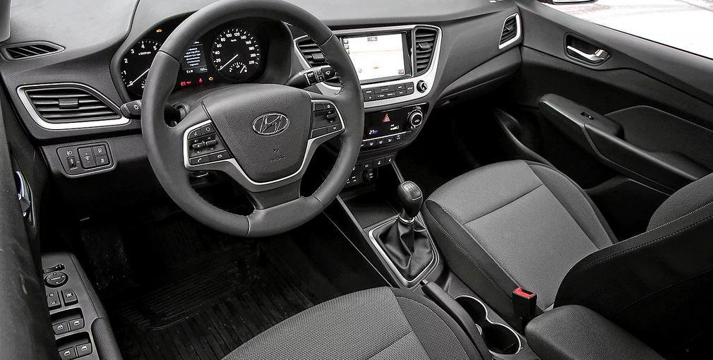 Комплектаций у автомобиля стало четыре: Active, Active Plus, Comfort, Elegance. Конечно автомобиль теперь стал более современным и обзавелся новыми опциями.