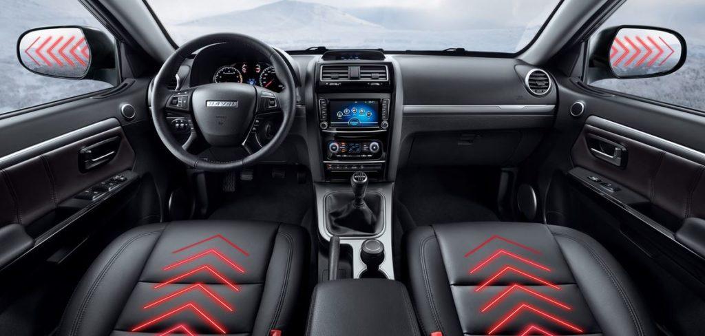 Комплектаций две — Comfort и Premium. Первая станет предлагаться только для 149-сильной версии, вторая доступна для обеих моторных модификаций.