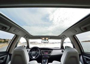 Toyota Auris – большой универсал с расходом 5,5 л.