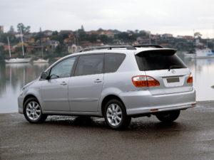 Toyota Avensis Verso – комфортный и экономичный городской минивэн