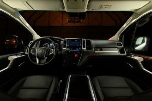 Toyota Hiace Vip для России – АКПП, дизель и премиум салон