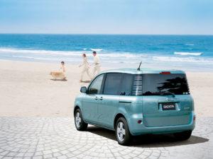 Toyota Sienta – отличный городской автомобиль