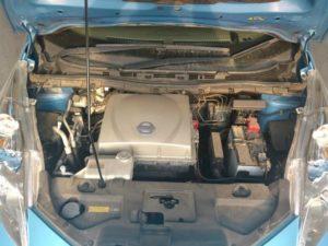 Замена масла в редукторе электрокара Nissan LEAF