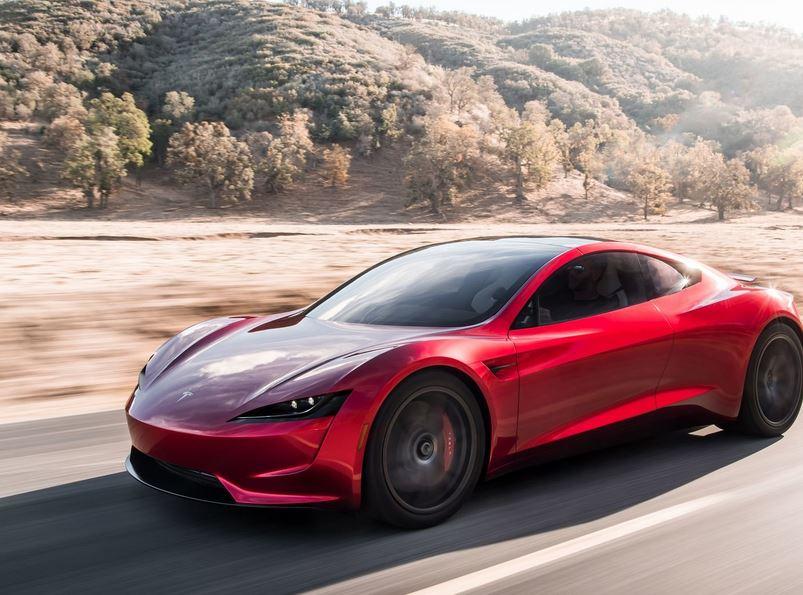 Серийный Tesla с двигателем от ракеты. Быстрее чем 2,1 секунды до 100 км/ч.