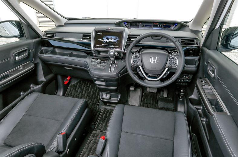 Обновлённая Хонда Freed Modulo X начала продаваться на родине.