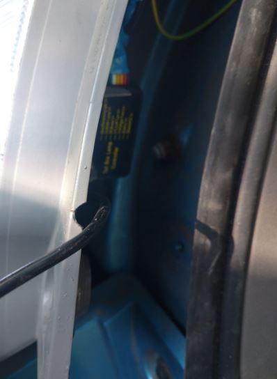 Светодиодная лента дублирующая поворотники и стопы на примере Nissan Leaf