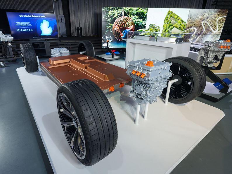 GM обещал представить батарею с ресурсом в 1,6 млн км