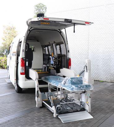 Toyota представила Фургон  Hiace для перевозки больных