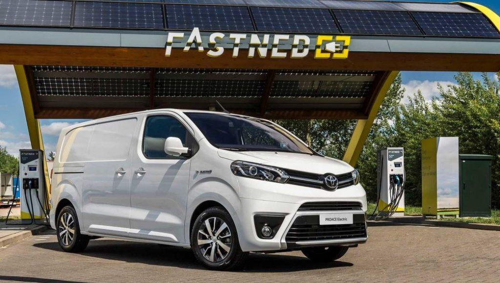 Toyota дает гарантию в 1млн. км на батерею минивена ProAce Electric