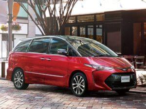 Toyota Estima – экономичный минивэн