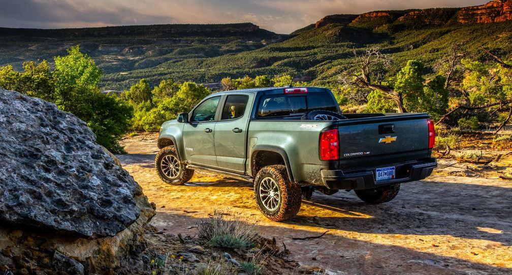 Chevrolet Colorado среднеразмерные пикапы