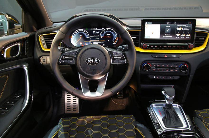 Стартовали продажи Kia XCeed в России. Цены от 1,5 млн ₽, комплектации.