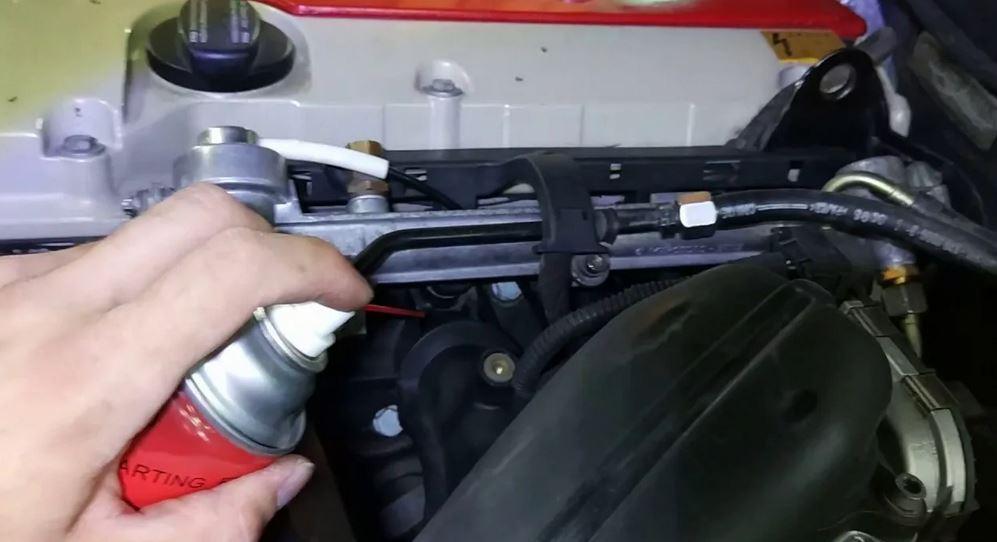 Очиститель карбюратора (карбоклинер). Проверка подсоса воздуха с помощью очистителя карбюратора