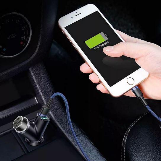 Автомобильное зарядное устройство для телефона. Зимние аксессуары для авто