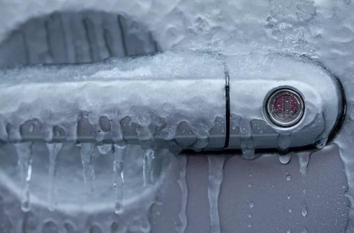 Как правильно мыть авто. Замерз замок.