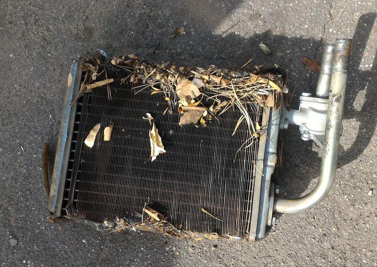 Грязь и мусор в воздуховодах. Забитый печной радиатор. Почему не греет печка?