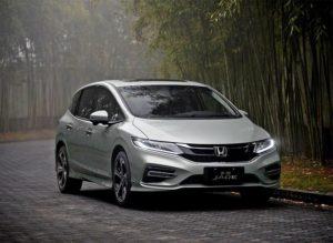 Honda Jade – четырёхместный минивэн с расходом 4,1 л./100 км