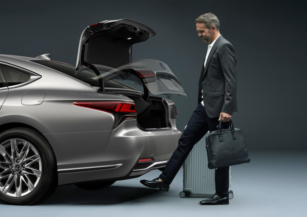 lexus ls багажник