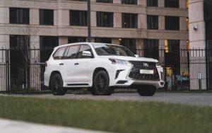 Lexus LX Black Vision появился в России