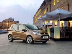 Ford B-MAX компактный семьянин