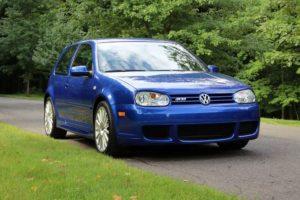Volkswagen Golf R32 2004 года продали за 65 100 долларов