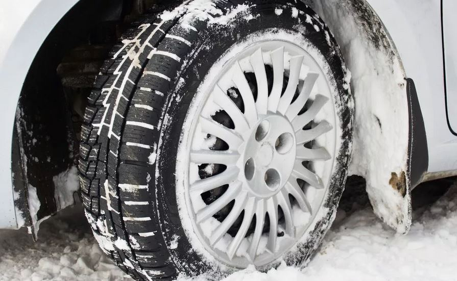 Зимнее вождение балансировка колес из за снега. биение в руль,сбилась балансировка, вибрация в кузов.