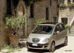 Lancia Musa самый красивый минивэн Европы