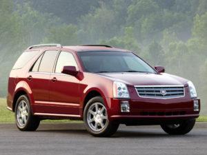Cadillac SRX внушительный и солидный семейный кроссовер