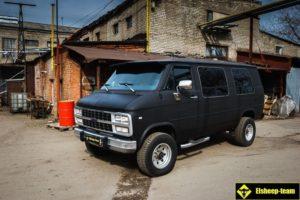 Chevrolet Van G20 восстановили и сделали крутым