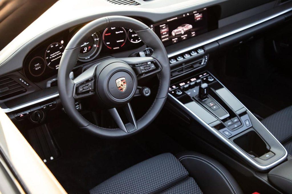 Porsche 911 Carrera 2020