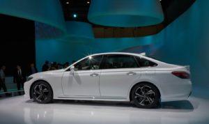 Toyota Crown обновлена самая старая модель Toyota