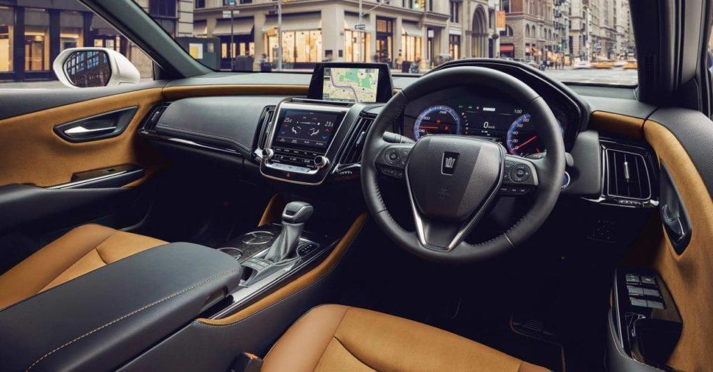 Внедорожник Toyota Crown