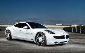 Белые автомобили популярны 10 лет подряд