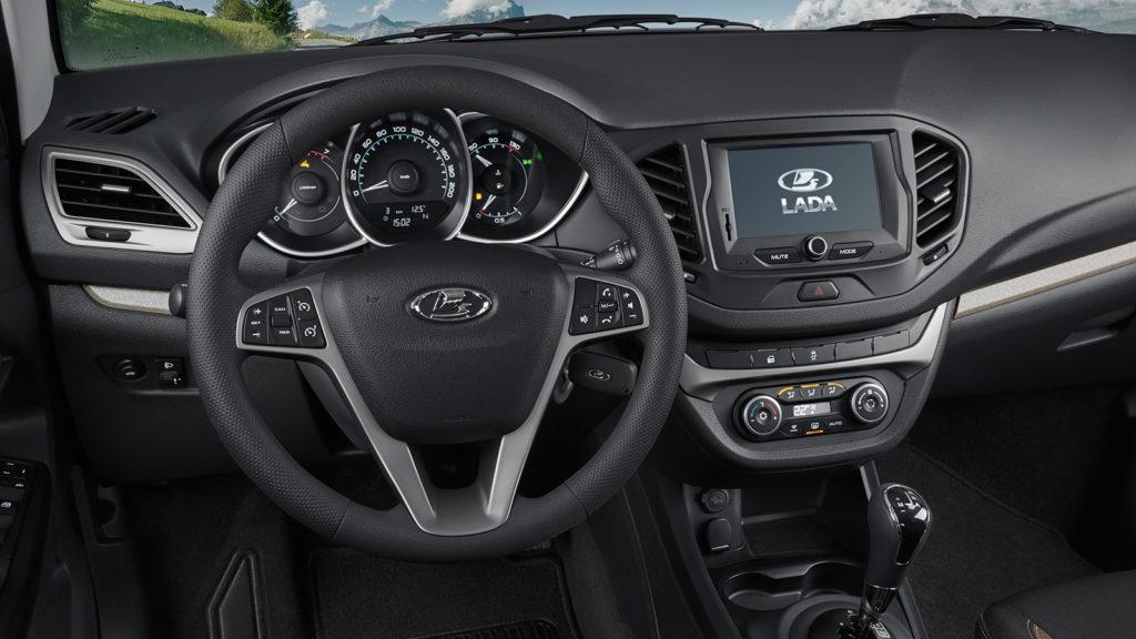 Новая Lada Vesta 2021