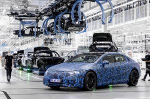 Mercedes-Benz EQS появится в начале следующего года