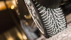 Зимние шины стали обязательными с 1 декабря
