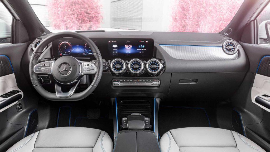 Mercedes EQA салон