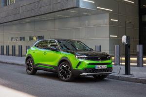 Opel Mokka-e не успевают производить