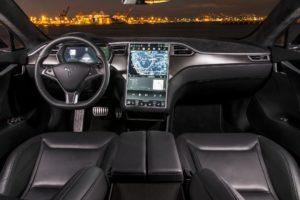 Tesla возможно отзовёт 158 000 электромобилей