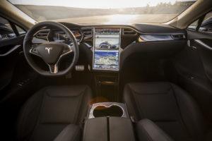Продажи Tesla немного подкачали