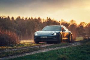 Porsche Taycan Cross Turismo новый более практичный электромобиль