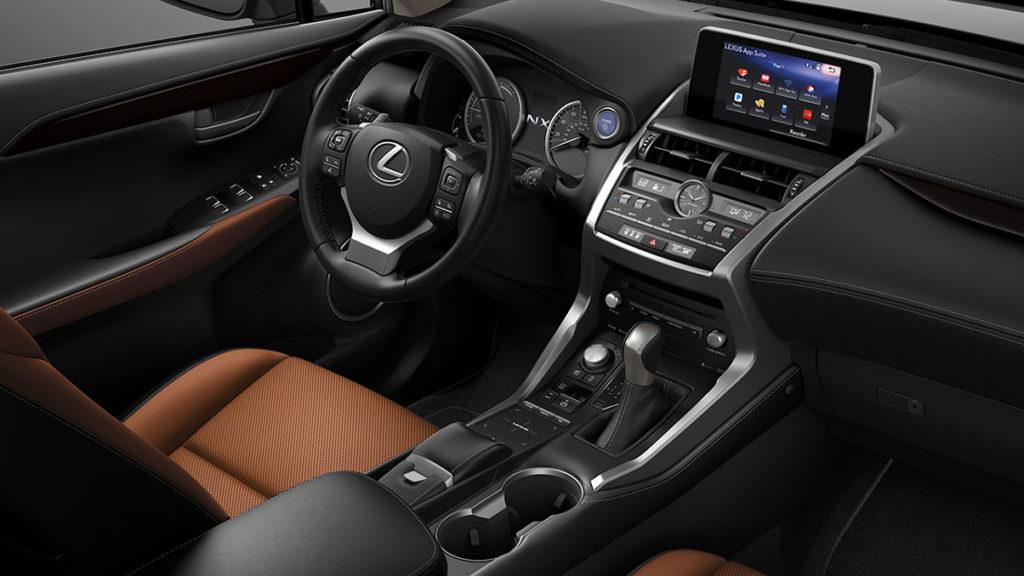 Lexus NX салон