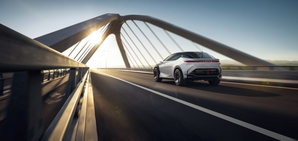 Электромобиль Lexus
